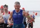 Triathlet Mario beendet in persönlicher Rekordzeit Schwimmdistanz
