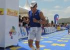 Triathlet Mario im Ziel des IM 70.3 Mallorca 2013