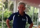 Triathlet Mario im Finischer-Shirt des IM 70.3. Mallorca