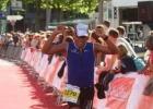 triathlet-mario-muhren-im-ziel-beim-t3-2012